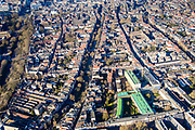 Nederland, Utrecht, Utrecht, 07-02-2018;<br /> Oude gracht,  Vrouw Juttenhof met Willem Arntszstichting (voorgrond).<br /> Inner city Utrecht.<br /> luchtfoto (toeslag op standard tarieven);<br /> aerial photo (additional fee required);<br /> copyright foto/photo Siebe Swart