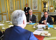 Paris: President Hollande Receives Quebec Premier Couillard, 23 Nov. 2016