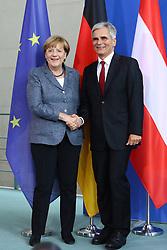 15.09.2015, Bundeskanzleramt, Berlin, GER, Flüchtlingskrise in der EU, Gipfeltreffen Deutschland und Oesterreich, im Bild Abschliessendes Haendeschuetteln zwishcen Oesterreichs Bundeskanzler Werner Faymann (SPOe, re.) und Deutschlands Bundeskanzlerin Angela Merkel (CDU, li.) // attend a joint press conference following talks about the refugee crisis at the Bundeskanzleramt in Berlin, Germany on 2015/09/15. EXPA Pictures © 2015, PhotoCredit: EXPA/ Eibner-Pressefoto/ Hundt<br /> <br /> *****ATTENTION - OUT of GER*****