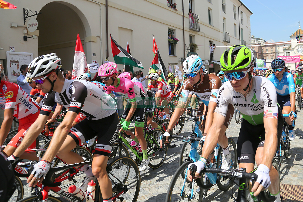 May 25, 2018 - Venaria Reale, Turin, Italy - The start of the 19 stage Venaria Reale- Bardonecchia of Giro d'Italia 2018 on May 25, 2018 in Venaria Reale, Turin, Italy. (Credit Image: © Massimiliano Ferraro/NurPhoto via ZUMA Press)