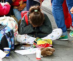 05.09.2015, Westbahnhof, Wien, AUT, Flüchtlinge auf den Weg durch die Staaten der EU, im Bild ein Flüchtling // Immigrants from the Middle Eastern countries and Africa arrived at the Railway station in Vienna, Austria on 2015/09/05. EXPA Pictures © 2015, PhotoCredit: EXPA/ Sebastian Pucher