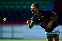 Francois Hougaard of Worcester Warriors warms up prior to kick off - Mandatory by-line: Ryan Hiscott/JMP - 13/09/2020 - RUGBY - Twickenham Stoop - London, England - London Irish v Worcester Warriors - Gallagher Premiership Rugby