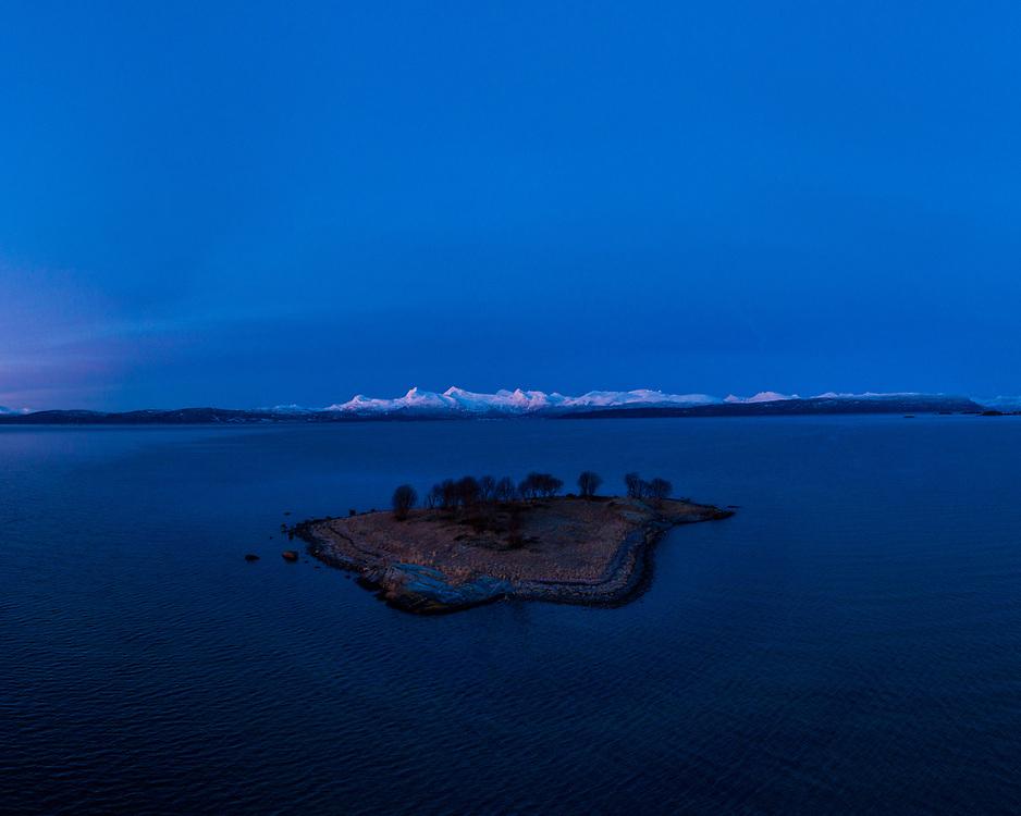 Magic lights over Grønnholmen islet in Ballangen, Northern Norway.