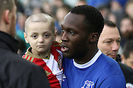Terminally ill five-year-old Sunderland fan Bradley Lowery is carried onto the pitch by Romelu Lukaku of Everton. Premier league match, Everton v Manchester City at Goodison Park in Liverpool, Merseyside on Sunday 15th January 2017.<br /> pic by Chris Stading, Andrew Orchard sports photography.
