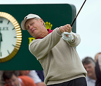 2005 Open Championship, St. Andrews.<br /> , Thursday July 14th. 2005.<br /> Jack Nicklaus drives at 15th today<br /> Foto: Digitalsport<br /> Norway only