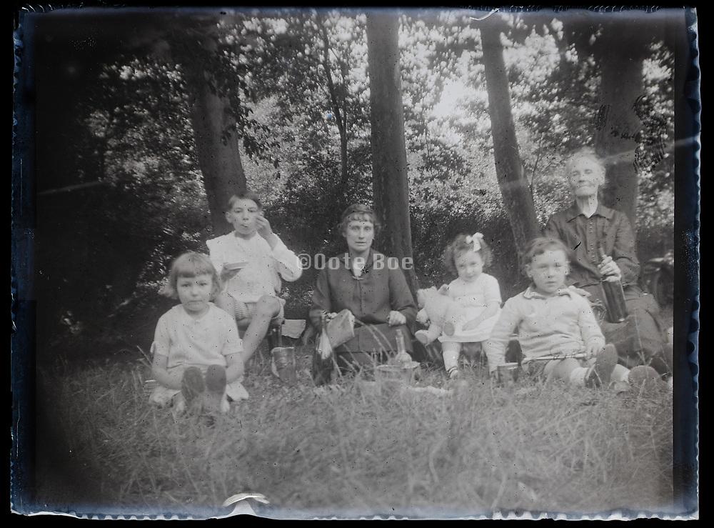 family picnic France 1926