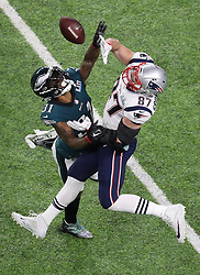 Philadelphia Eagles cornerback Jalen Mills (31) blocks a pass intended for New England Patriots tight end Rob Gronkowski (87) in the second quarter on Sunday, February 4, 2018 at Super Bowl LII at U.S. Bank Stadium in Minneapolis, Minn. Photo by Elizabeth Flores/Minneapolis Star Tribune/TNS/ABACAPRESS.COM