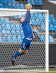Oliver Christensen (Danmark) redder under U21 EM2021 Kvalifikationskampen mellem Danmark og Ukraine den 4. september 2020 på Aalborg Stadion (Foto: Claus Birch).