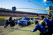 May 20, 2017: NASCAR Monster Energy All Star Race. 48 Jimmie Johnson, Lowe's Chevrolet pitstop