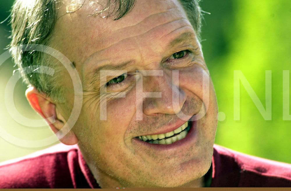 fotografie frank uijlenbroek©2000 frank uijlenbroek.000512 oudleusen ned.conferentieoord de Bron.Proff Barrs..Verslaggever Klaas van der Zwaag