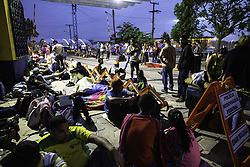 May 1, 2019 - Pacaraima, Brazil - Venezuelan immigrants on the border with Brazil. In the photo, Venezuelans shelter near the post of the Federal Highway Police in Pacaraima, where they will spend the night. (Credit Image: © JoãO Laet/Fotoarena via ZUMA Press)