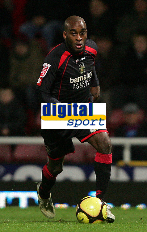Fotball<br /> England<br /> Foto: Fotosports/Digitalsport<br /> NORWAY ONLY<br /> <br /> West Ham United FC vs Barnsley FC FA Cup 3rd Rd 03/01/09<br /> <br /> Barnsley winger Jamal Campbell-Ryce in action.