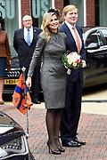 Streekbezoek Koning en Koningin in de voormalige Mijnstreek Limburg /// Region Visit King and Queen in the former mining region of Limburg<br /> <br /> op de foto / on the photo: <br /> <br />  Koning Willem-Alexander en koningin Maxima bij aankomst in Kerkrade  //  King Willem-Alexander and Queen Maxima on arrival in Kerkrade