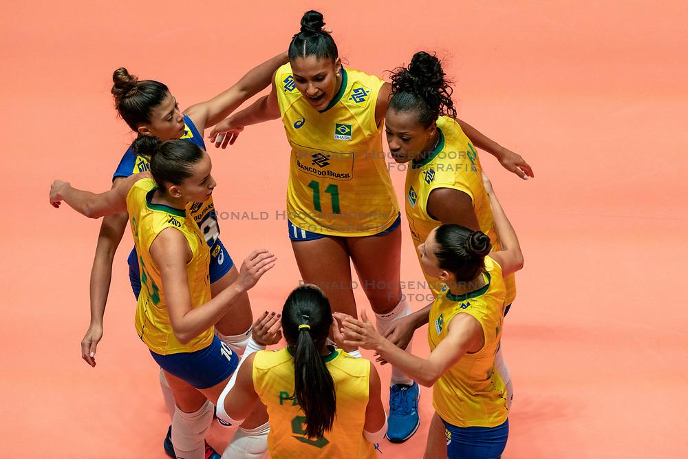 29-05-2019 NED: Volleyball Nations League Poland - Brazil, Apeldoorn<br /> /n11/, Mara Ferreira Leao #1 of Brazil, Roberta Silva Ratzke #9 of Brazil, Gabriela Braga GuimaraesC #10 of Brazil, Leia Henrique Da Silva Nicolosi #19 of Brazil