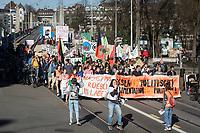 SCHWEIZ - BERN - Demonstration 'Essen ist politisch!' organisiert von 'Landwirtschaft mit Zukunft', hinter dieser Initative stehen über 30 Organisationen, welche zur Demonstration aufgerufen haben. Hier das Fronttransparent auf dem Kornhausplatz - 22. Februar 2020 © Raphael Hünerfauth - http://huenerfauth.ch