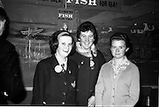 "03-04/03/1964<br /> 03/03-04/1964<br /> 03-04 March 1964<br /> B.I.M. Fish Cookery Competition, Munster final, winners at the Metropole Hotel, Cork. The competition was held at the School of Commerce Cork. Photo Shows: Miss Phyllis Cliffe, Vocational School, Dungarvan, winner of the ""Miss Munster"" Title with Philomena Kelleher (left), Ursuline Convent, Thurles, (2nd prize) and Maisie Galvin, Vocational School, Killorglin (3rd prize)."