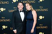 Nederlandse galapremiere van de Disney-klassieker Lion King in Pathe Tuschinski, Amsterdam.<br /> <br /> Op de foto:  Martijn Krabbe met partner Deborah Wietzes