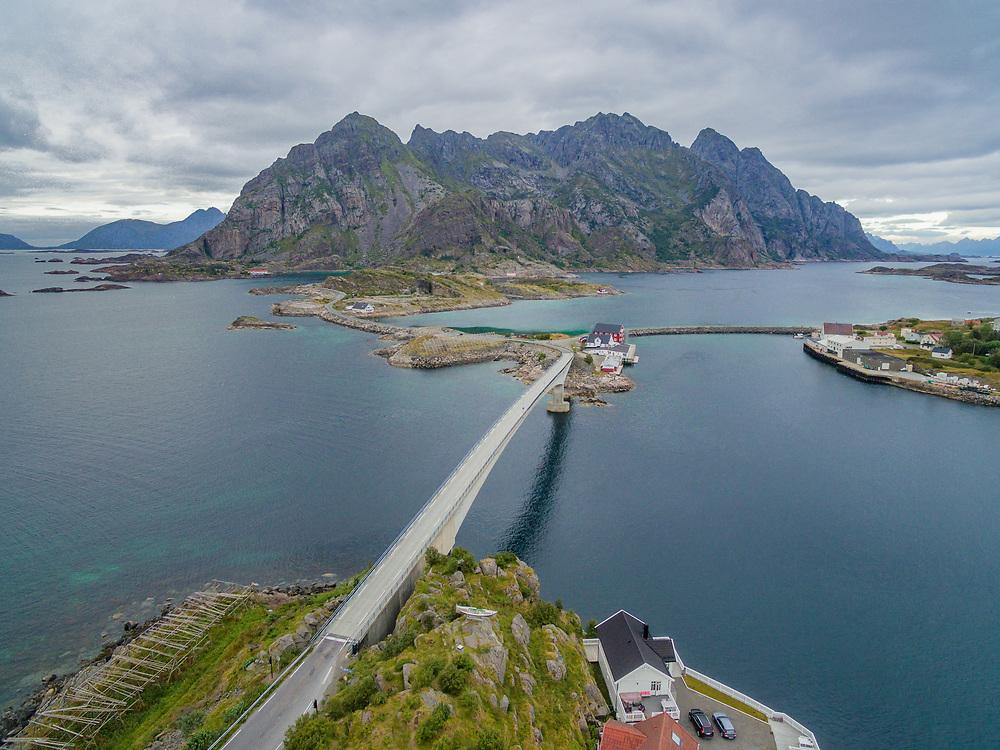 Henningsværbruene er to bruer som knytter fiskeværet Henningsvær til Austvågøya i Nordland. Bruene ble åpnet i 1983 og er del av fylkesvei 816. Henningsværbrua er 258 meter lang og har et hovedspenn på 150 meter.