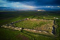 Kirghizistan, province de Naryn, Koshoi Korgon, ancienne citadelle en ruine, vue aerienne // Kyrgyzstan, Naryn province, Koshoi Korgon, ancient citadel, aerial view