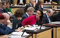 DEU, Deutschland, Germany, Berlin, 16.12.2016: Staatssekretärin Sawsan Chebli bei einer Sitzung im Bundesrat.