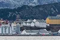 Skansekaia i Ålesund under rivingsarbeidet som pågår for å lage plass til de nye kontorbygningene som skal bygges.<br /> Foto: Svein Ove Ekornesvåg