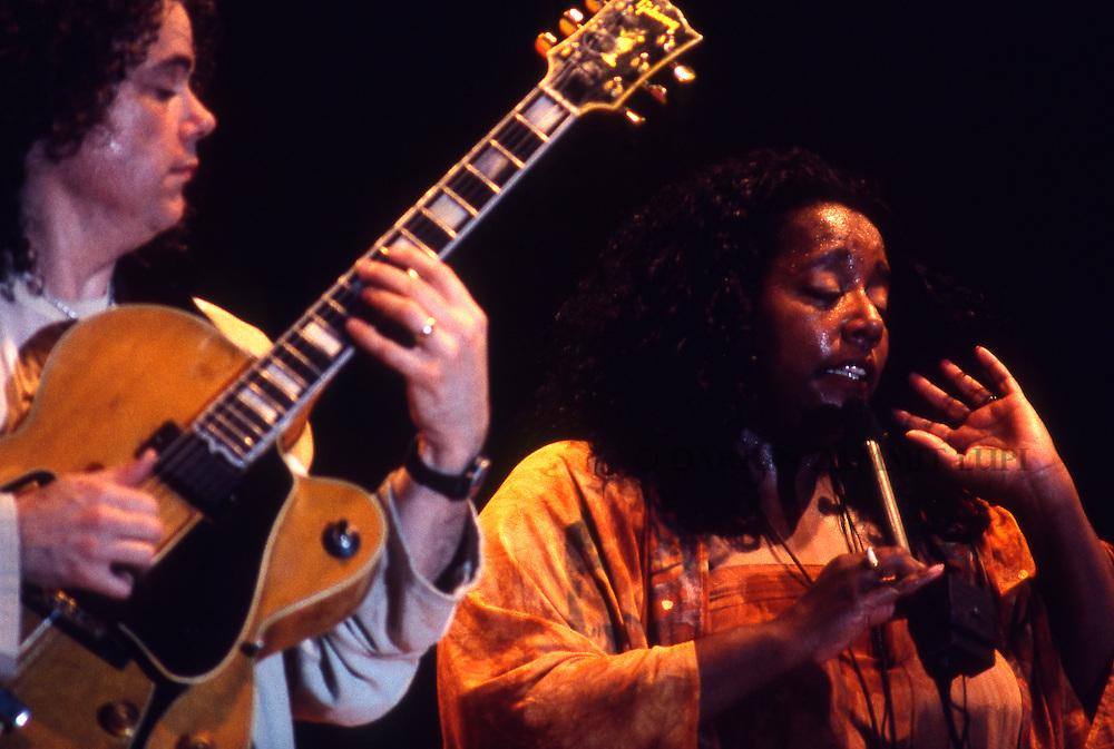 Tuck and Patti, 1995<br /> Photo by Darrin Zammit Lupi