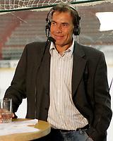 """Ishockey , 7. september , UPC Ligaen Eliteserien , Jordal Amfi , Vålerenga VIF - Sparta Bears , SportN s ekspert i studio Jim """" Jimmer'n """" Marthinsen Foto: Kasper Wikestad"""