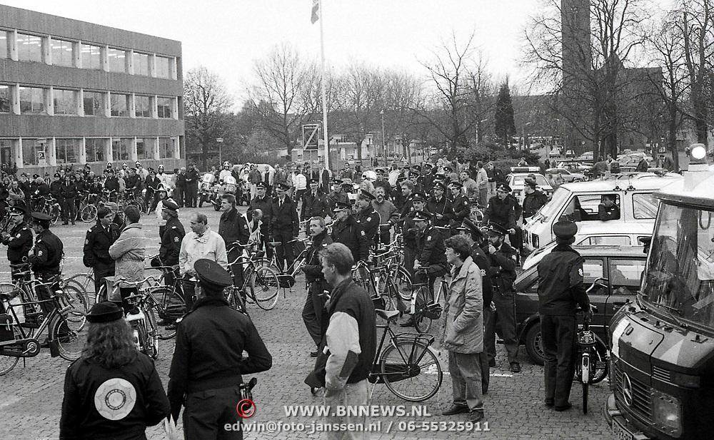 NLD/Bussum/19881110 - Landelijke Politie actie dag, staking en demonstratie op de fiets politie Gooi & Vechtstreek