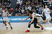 Basketball: 1. Bundesliga, Hamburg Towers - Hakro Merlins Crailsheim 91:92, Hamburg, 29.02.2020<br /> Demarcus Holland (l.) und Michael Carrera (beide Towers, r.)<br /> © Torsten Helmke