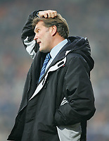 GLENN HODDLE SCRATCHING HIS HEAD WITH WORRY-Coca-Cola-Footbal League Championship-Watford v Wolves-11-12-04.pic by Colorsport/ Kieran Galvin