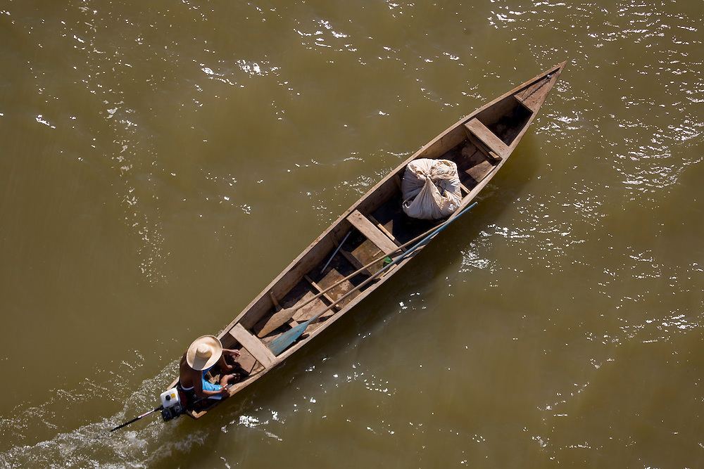 Januaria_MG, Brasil...Rio Sao Francisco, o rio da integracao nacional. ..The Sao Francisco river, It is an important river for Brazil, called the river of national integration. ..Foto: JOAO MARCOS ROSA /  NITRO