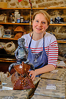 France, Manche (50), Cotentin, Barfleur, labellisé Les Plus Beaux Villages de France, Ingrid Guilbert, la potière de Barfleur // France, Normandy, Manche department, Cotentin, Barfleur, labeled Les Plus Beaux Villages de France, Ingrid Guilbert, Barfleur's potter