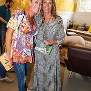 NLD/Amsterdam/20150608 -Yoga  Boekpresentaie Danielle van 't Schip - Oonk, Danielle en vriendin Corine Horst