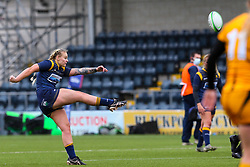 Vicky Foxwell of Worcester Warriors Women kicks for touch - Mandatory by-line: Nick Browning/JMP - 24/10/2020 - RUGBY - Sixways Stadium - Worcester, England - Worcester Warriors Women v Wasps FC Ladies - Allianz Premier 15s