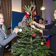 NLD/Amsterdam/20181206 - Sky Radio's Christmas Tree For Charity, Kimberley Klaver en Kim Feenstra
