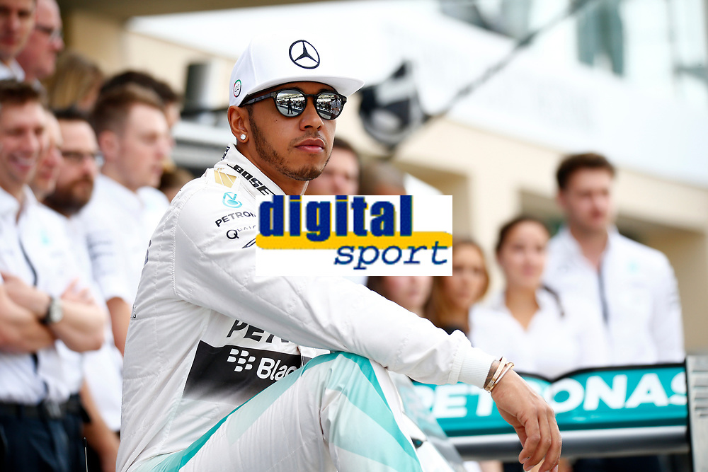 HAMILTON lewis (gbr) mercedes gp mgp w06 ambiance portrait during the 2015 Formula One World Championship, Abu Dhabi Grand Prix from November 27th to 29th 2015 in Yas Marina. Photo DPPI