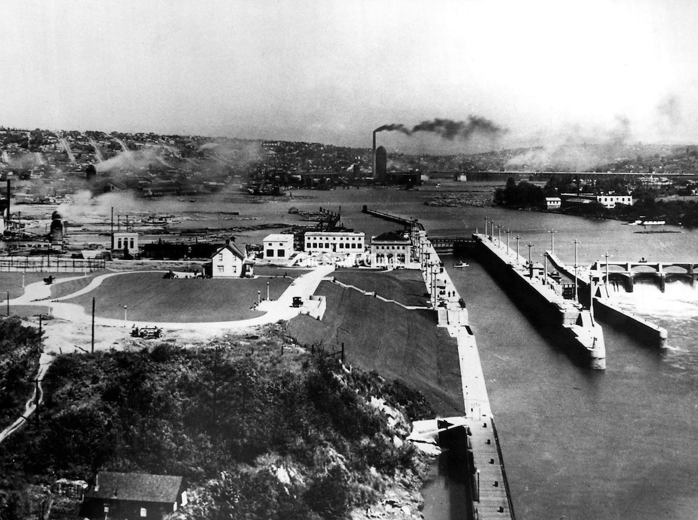 Lake Union ship canal locks shortly after opening in 1916. (The Seattle Times)
