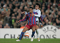 7/3/2006.BARCELONA.SPAIN.CHAMPIONS LEAGUE .BARCELONA V CHELSEA.FERREIRA IS BOOKED FOR HOLDING RONALDINHO<br /> PIC DAVE SHOPLAND