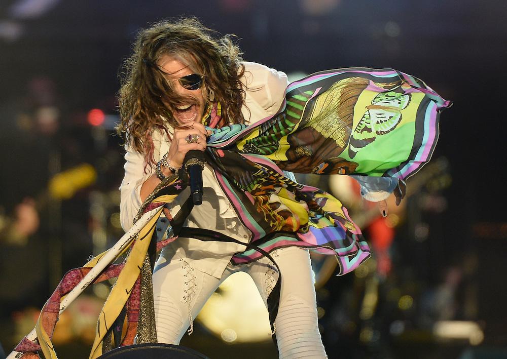 Download Festival    <br /> Aerosmith .Steven Tyler  <br /> Pix Dave Nelson
