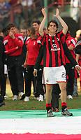Milano, 16/05/2004<br />Campionato Italiano Serie A 2003/2004 <br />Milan -  Brescia 4-2<br />Kaka applaude i tifosi durante i festeggiamenti per lo scudetto del Milan.<br />Ricardo Kaka Milan during celebrating  Italian Championship victory. <br />Photo Graffiti