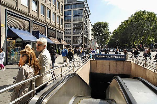 Duitsland, Dusseldorf, 2-6-2012De beroemde Konigsallee. Het is een luxe winkelstraat in de hoofdstad van de deelstaat Nordrhein-Westfalen.Foto: Flip Franssen/Hollandse Hoogte
