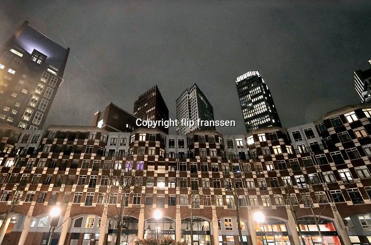 Nederland, Den Haag, 7-3-2019Stadsgezicht, panorama,skyline, van de hoogbouw in het centrum van de stad . Moderne architectuur waar verschillende ministeries zijn gehuisvest, kantoren, kantoorgebouwen,highrise buildings, architecture, Ministerie van Binnenlandse Zaken veiligheid en Justitie .Foto: Flip Franssen