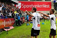 Fotball <br /> 21.august 2011 <br /> Eliteserien <br /> 20. runde Tippeligaen 2011 <br /> Sogndal - Start 2 - 0<br /> Fosshaugane Campus, Sogndal<br /> <br /> Foto: Rune Sjøberg, Digitalsport <br /> <br /> Ørjan Hopen jubler etter sitt andre mål, gratuleres av Ole Jørgen Halvorsen
