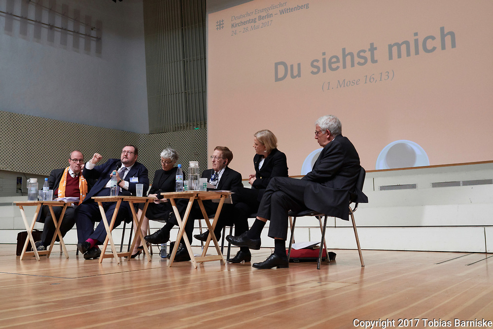 """Should the Reformation jubilee be celebrated as a """"Christusfest""""? Panel discussion on the search for an non anti-Jewish Christology. With Prof. Christoph Markschies, Rabbi Prof. Walter Homolka, Prof. Kathy Ehrensperger, Rabbi Prof. Michael Cook, Dr. Eske Wollrad, Prof. Christoph Schwöbel, Dr. Christian Staffa, and Amos Oz."""