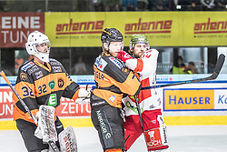 10.03.2019, Merkur Eisstadion, Graz, AUT, EBEL, Moser Medical Graz 99ers vs HCB Suedtirol Alperia, Platzierungsrunde, 54. Runde, im Bild v.l.: Simon Roenninger (Moser Medical Graz 99ers), Peter Robin Weihager (Moser Medical Graz 99ers), Daniel Frank (HCB Südtirol Alperia) // during the Erste Bank Eishockey League 54th round match between Moser Medical Graz 99ers and HCB Suedtirol Alperia at the Merkur Eisstadion in Graz, Austria on 2019/03/10. EXPA Pictures © 2019, PhotoCredit: EXPA/ Dominik Angerer