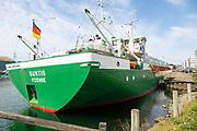 Suntis ship from Itzenow, Germany cargo of timber, Wet Dock, Ipswich, Suffolk, England, UK