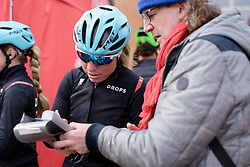 Susanna Zorzi signs an autograph for a fan at the 127 km Omloop van het Hageland on February 26th 2017, starting and finishing in Tielt Winge, Belgium. (Photo by Sean Robinson/Velofocus)
