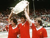 Fotball<br /> England <br /> Foto: Colorsport/Digitalsport<br /> NORWAY ONLY<br /> <br /> GRAEME SOUNESS, ALAN HANSEN & KENNY DALGLISH CELEBRATE WINNING THE FA CHARITY SHIELD.