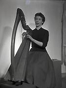 Deirdre Ni Fhloinn, Harpist, Gall Linn 6-3-1959