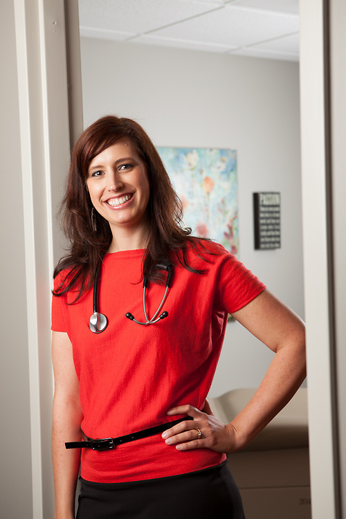 24 April 2012- Dr. Jennifer Hill is photographed at Lakeside One's Docotrs Building for Physician's Bulletin Magazine.